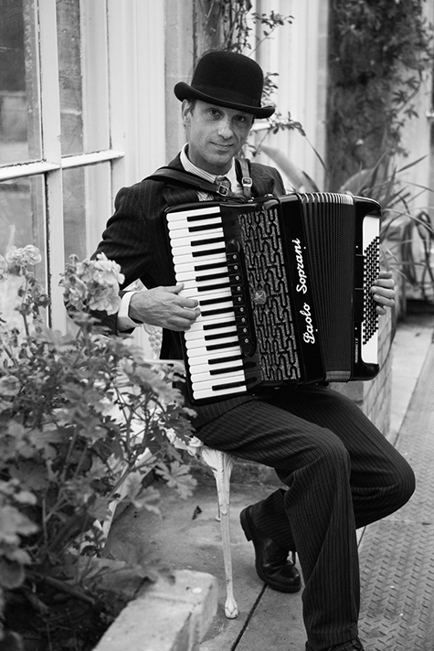 Cafe Maestro Amazing Accordion Performer For Hire