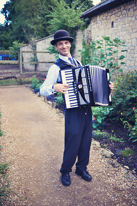 Cafe Maestro Italian Music Performed On Accordion