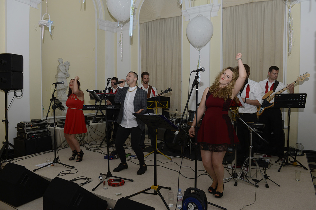 Soul Party Energetic Wedding Band For Hire
