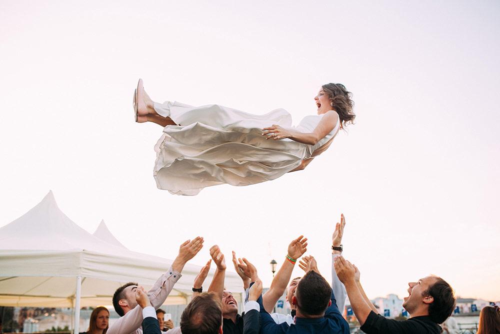 Alternative Entertainment Ideas For Your Wedding Reception