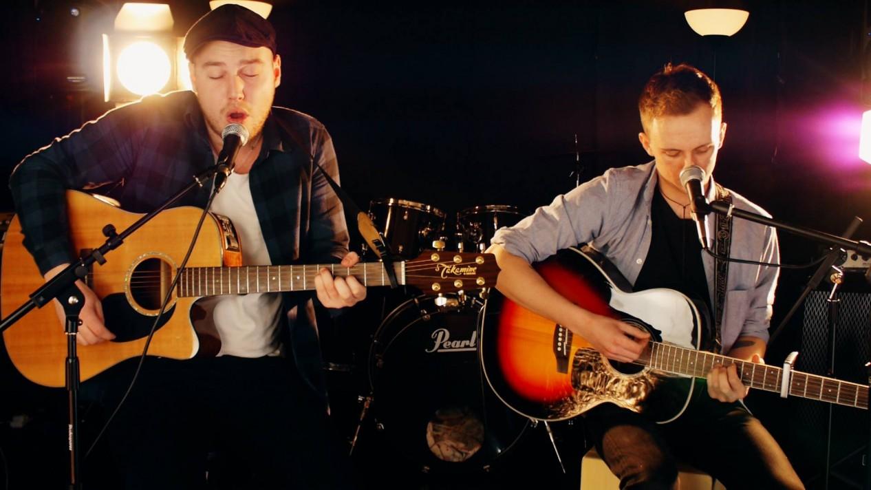Mona Vale Acoustics Duo
